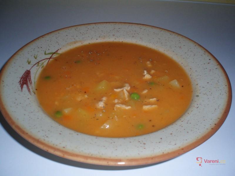 Gulášová polévka z vepřového masa