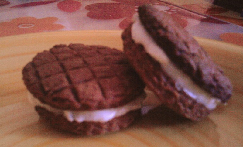Čokoládové sušenky s kokosovým krémem