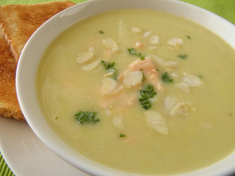 Celerová polévka s lososem