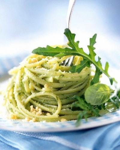 Zeleninové špagety s pestem