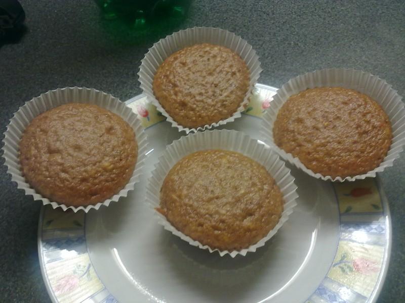Muffiny posypané skořicí