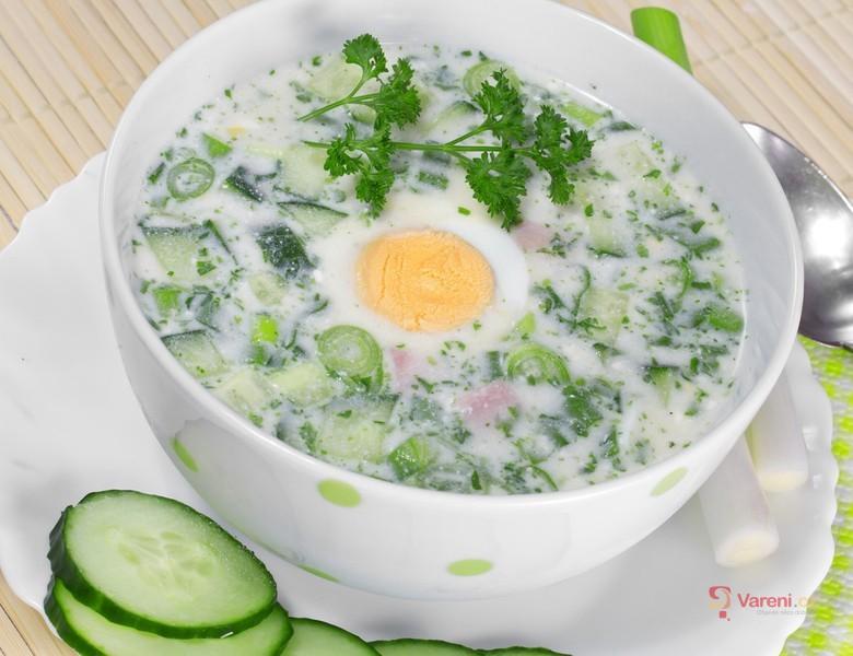Krémová polévka s vejcem