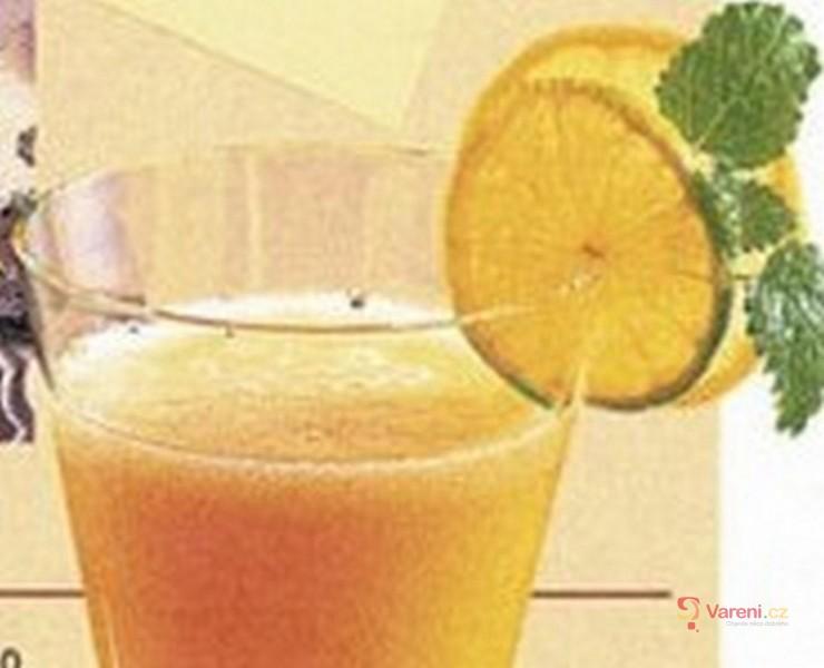 Pomerančový nealko sekt