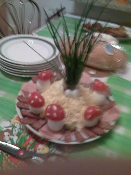 Snídaňový talíř s muchomůrkami