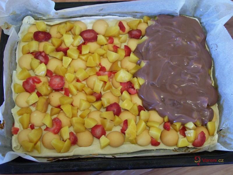 Listový koláč s ovocem