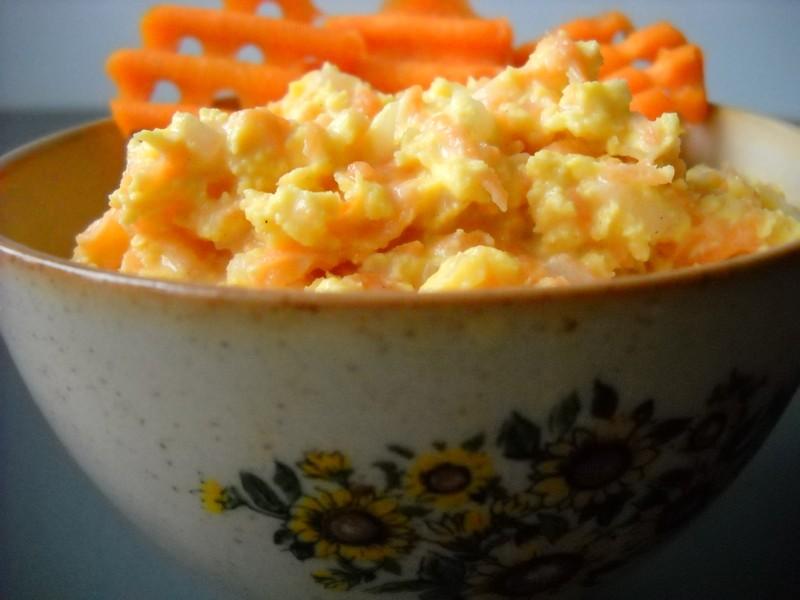 Mrkvová pomazánka se sýrem a jogurtem