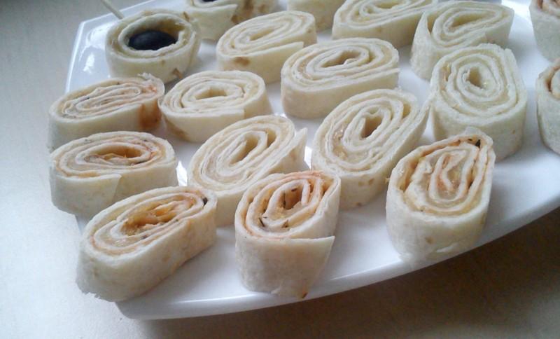 Sýrové jednohubky z tortilly