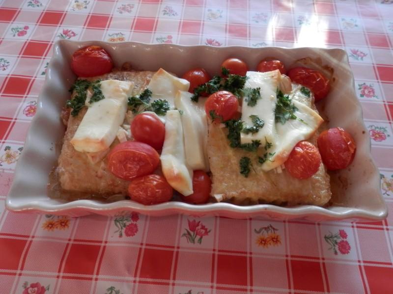 Zapečené rybí filé s rajčaty
