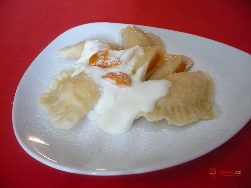 Meruňkové taštičky z tvarohového těsta