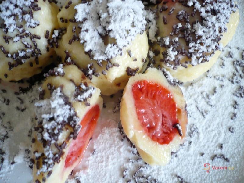 Jemné jahodové knedlíčky