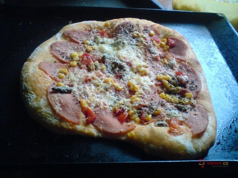Kynutá pizza