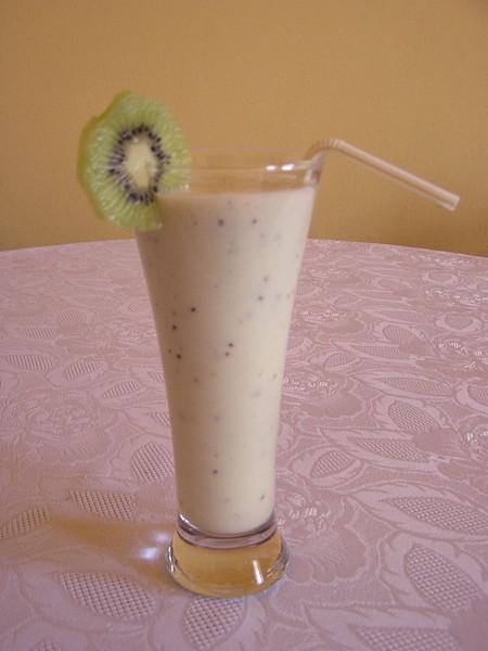 Mléčný koktejl s kiwi