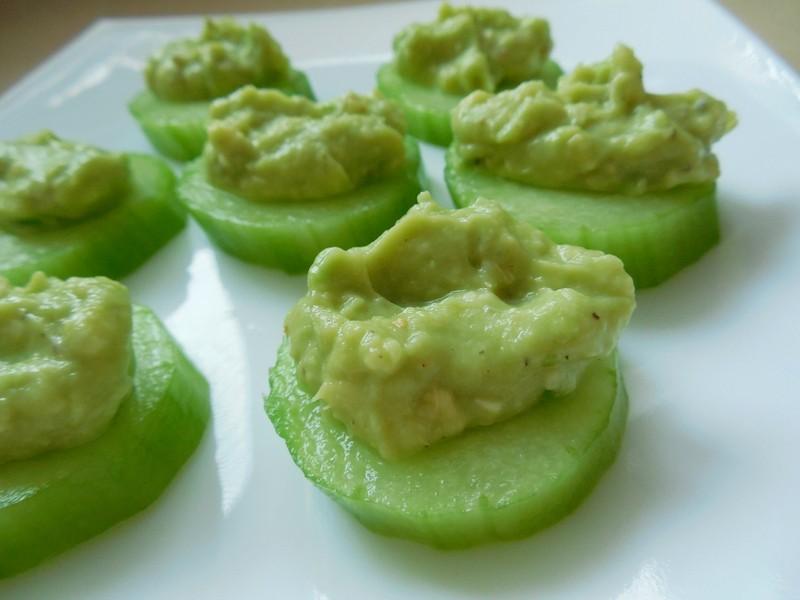 Raw avokádové jednohubky