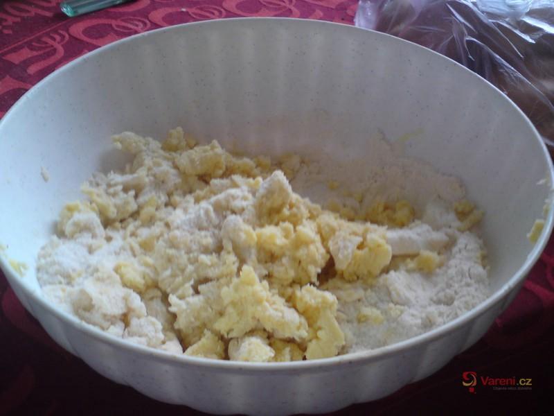 Jahodový dort z lineckého těsta