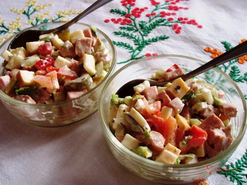 Letní salát s čínským zelím