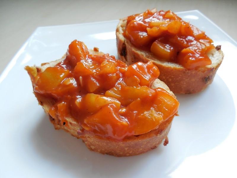 Rajčatová cuketa na bagetce