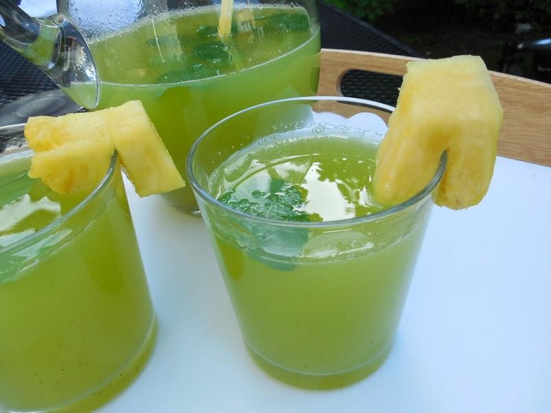 Okurkovo-ananasová limonáda