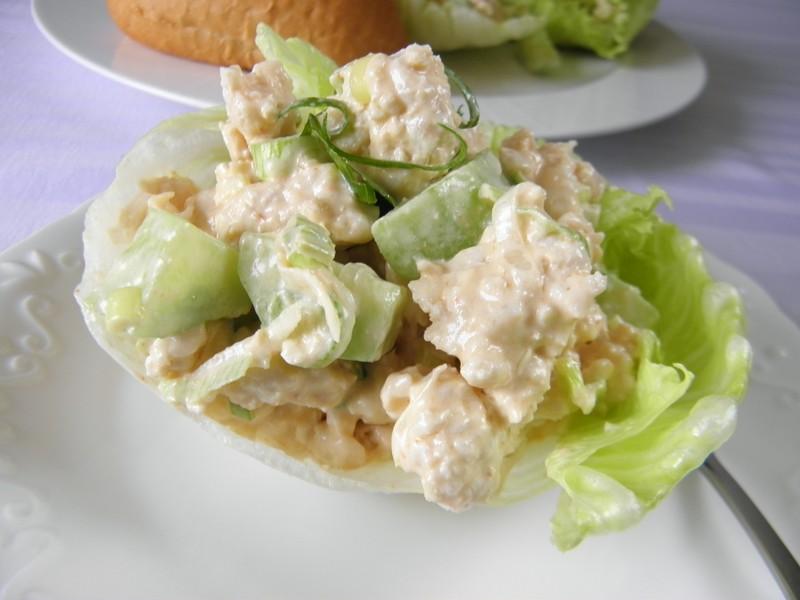 Kuřecí směs na ledovém salátu