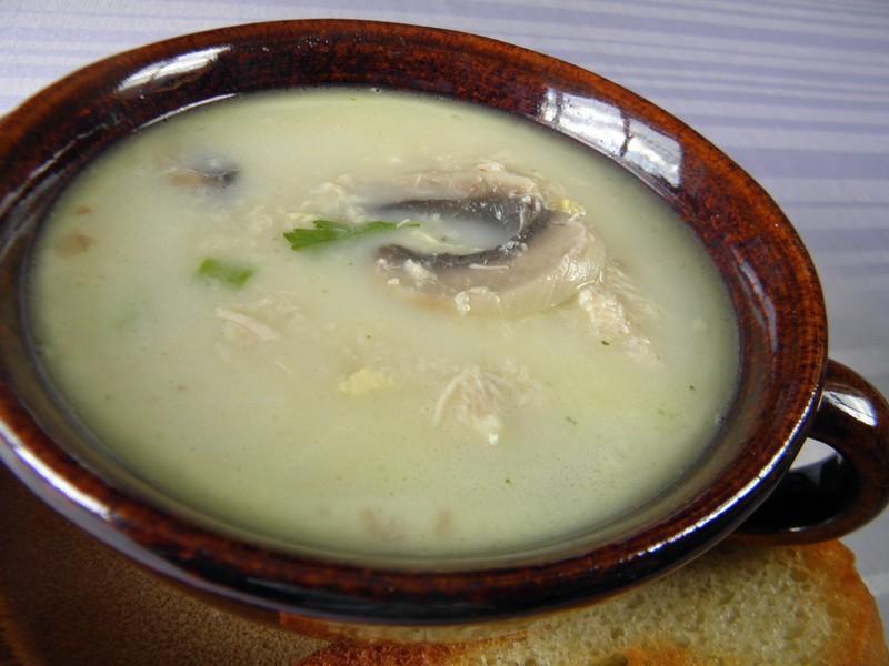 Kuřecí masová polévka se žampiony
