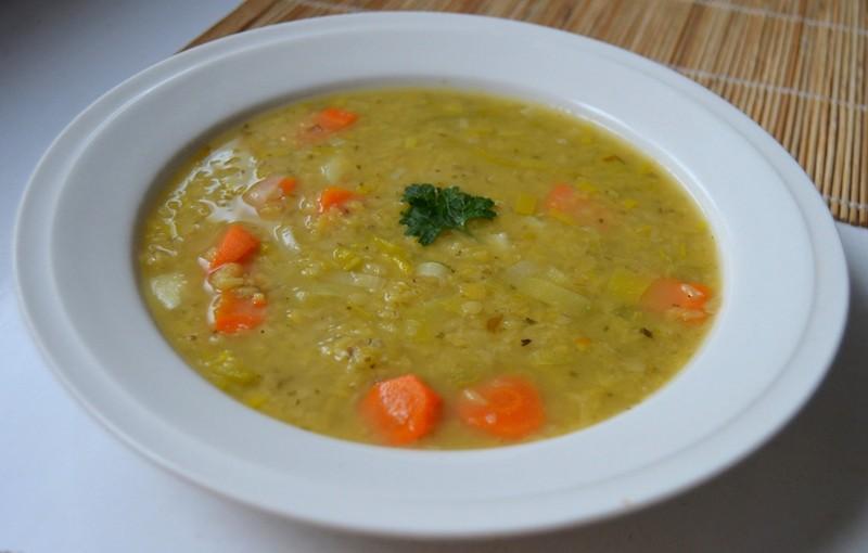 Čočková polévka s karotkou