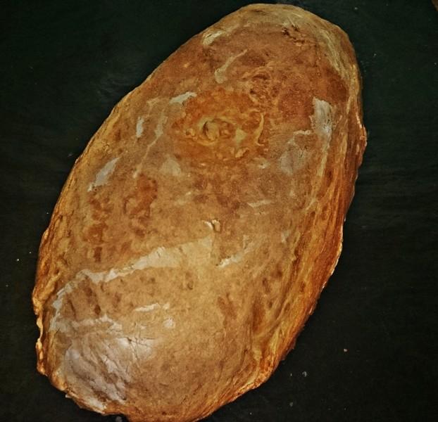 Obyčejný domácí bílý chléb