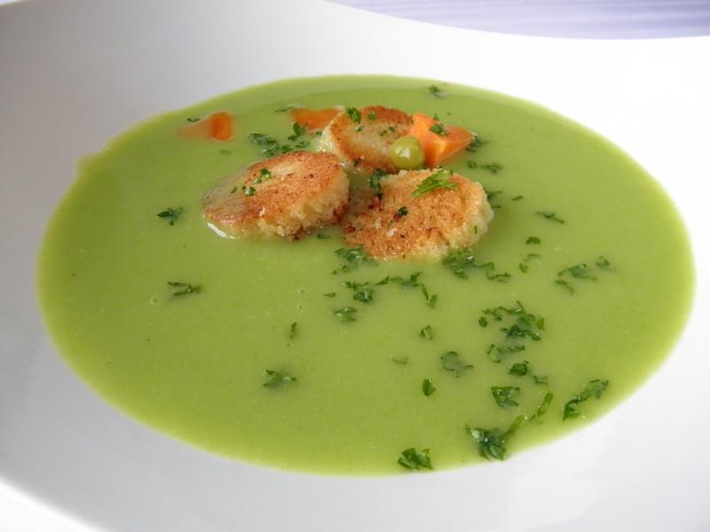 Jemná rybí polévka s hráškem