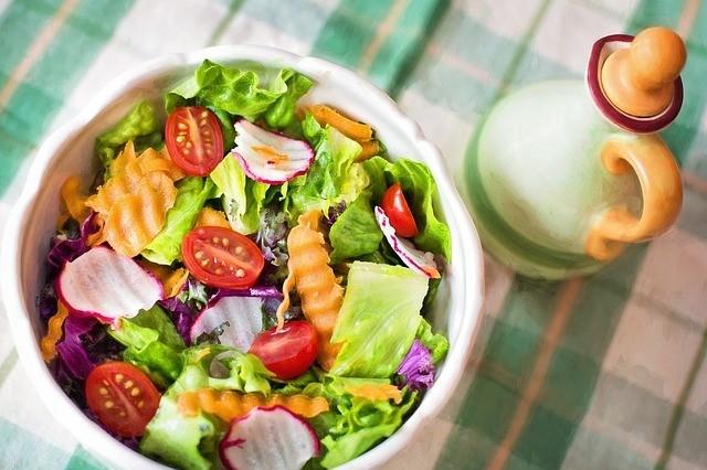 Obědový zeleninový salát
