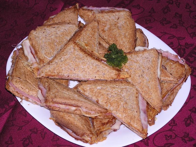 Šunkovo-sýrové toasty