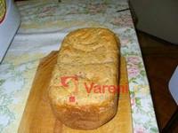 Grahamový chléb z domácí pekárny