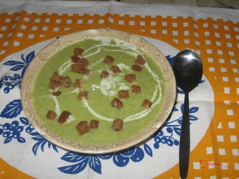 Blesková brokolicová polévka