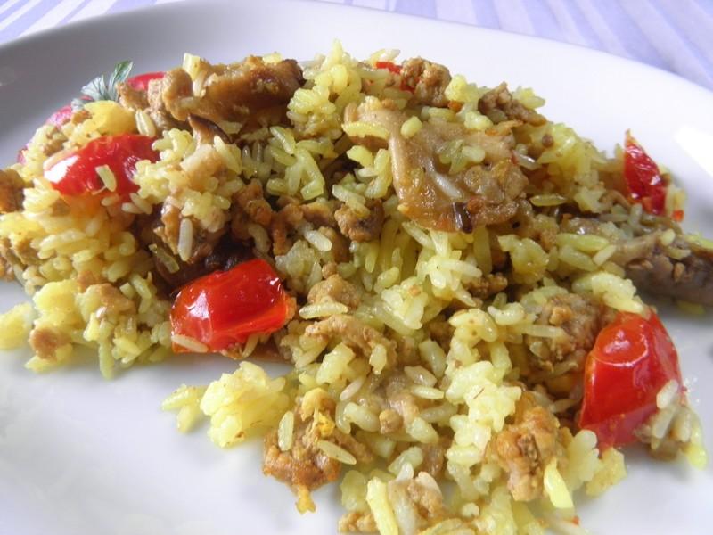 Dušená masová směs s lilkem a rýží