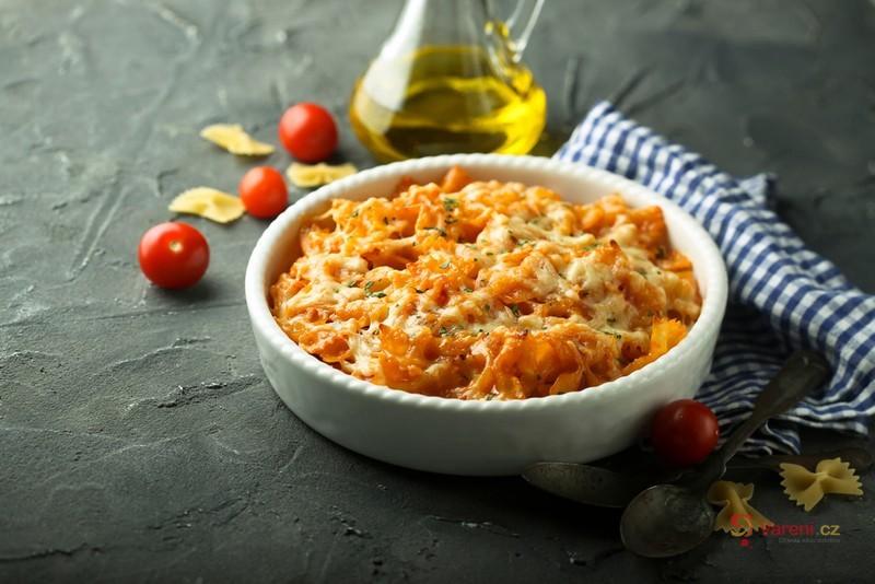 Zapečené nudle s rajčaty