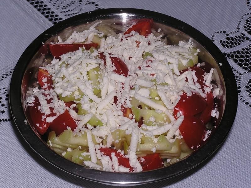 Balkánský šopský salát