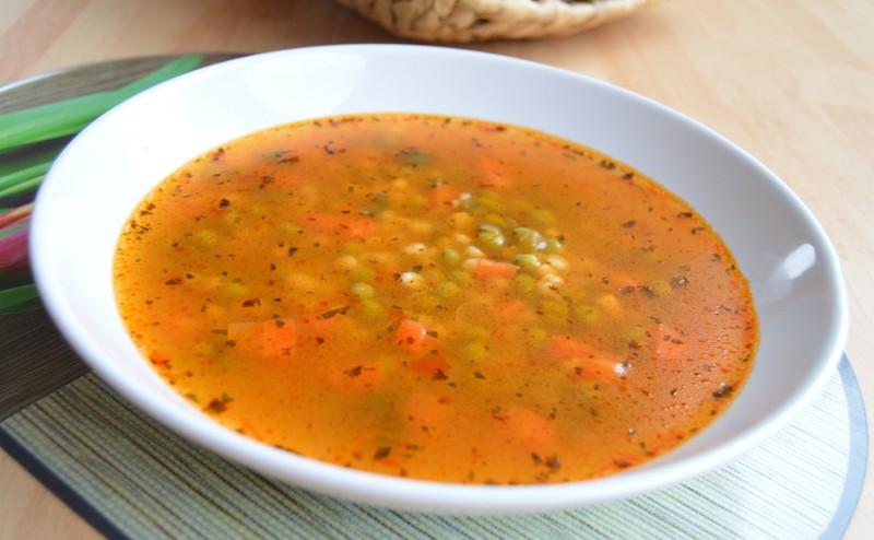 Pikantní zeleninová polévka s tarhoňou