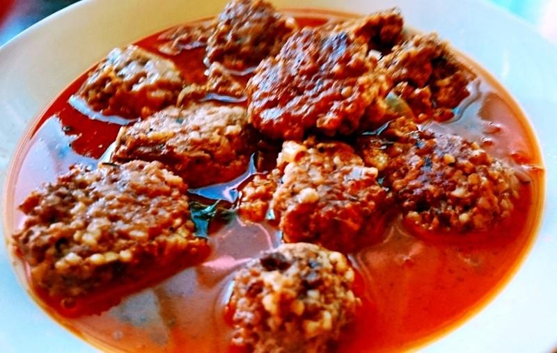 Sulu köfte - turecké masové kuličky v rajčatové omáčce