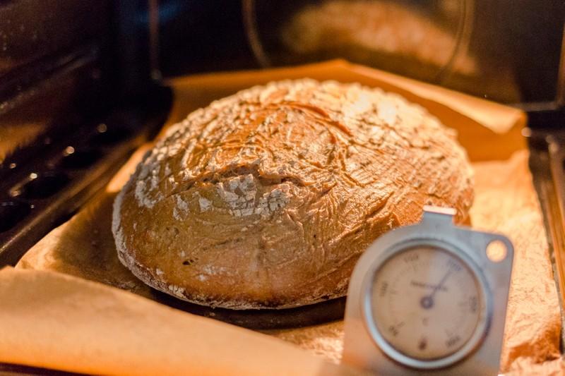 Žitno-pšeničný chléb z žitného kvásku