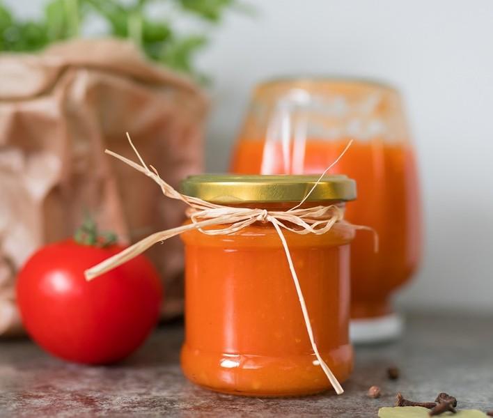 Jemný domácí rajčatový kečup