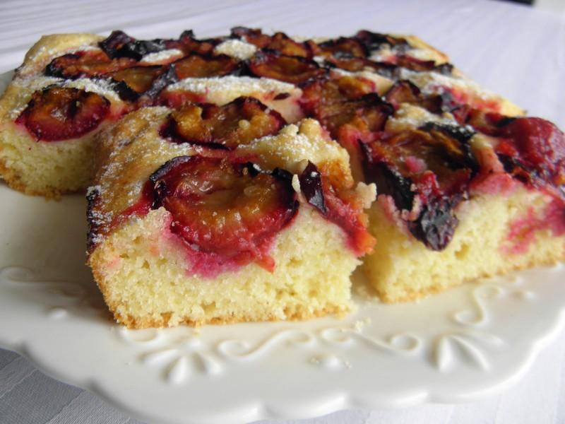 Litý švestkový koláč