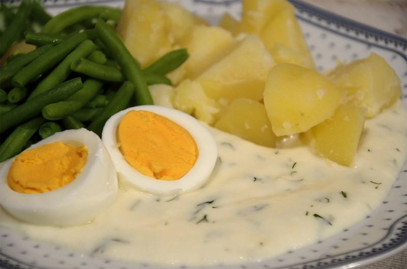 Koprovka s vejcem a fazolkami