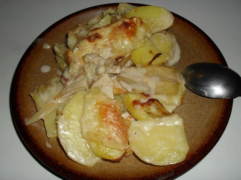 Zapečené brambory se slaninou a romadurem