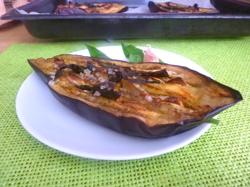 Lilek pečený s česnekem