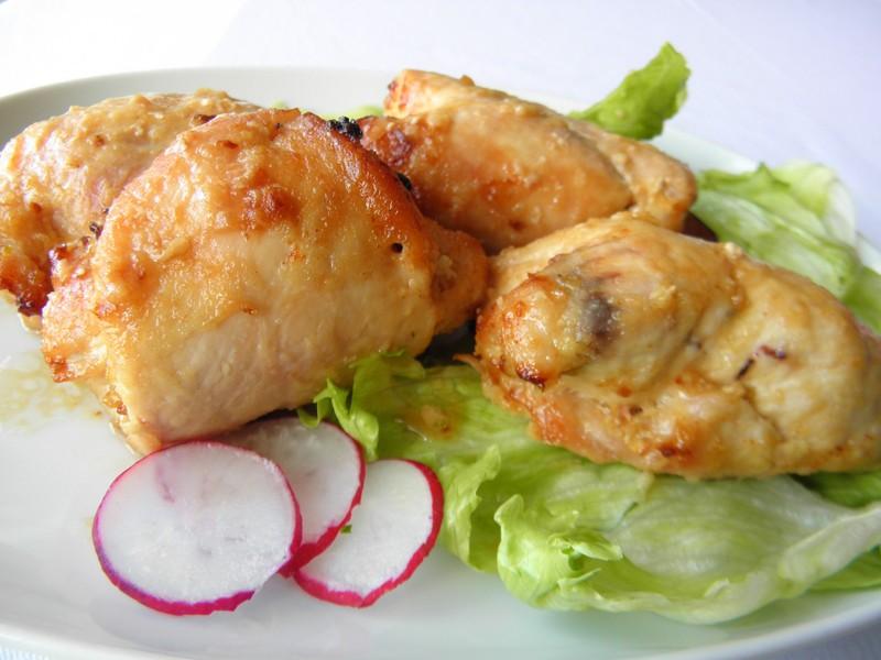 Zapečené kuřecí závitky se slaninou