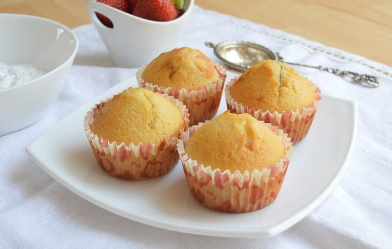 Hrnkové jahodové muffiny
