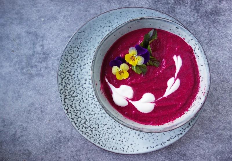 Krémová polévka z pečené červené řepy