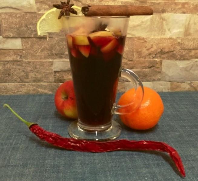 Domácí svařák se špetkou chilli