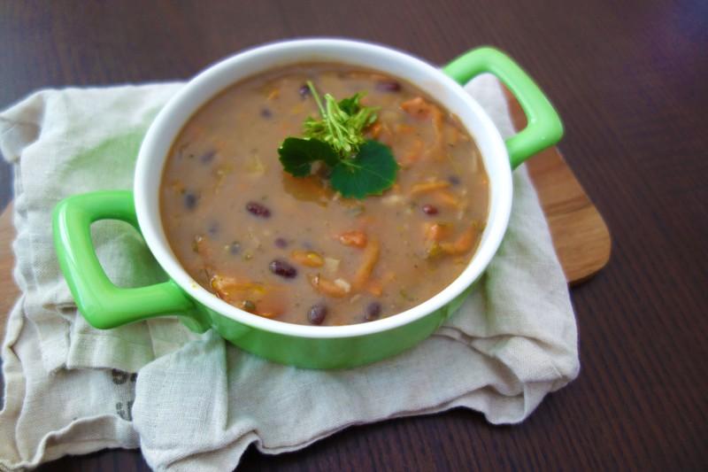Poctivá fazolová polévka