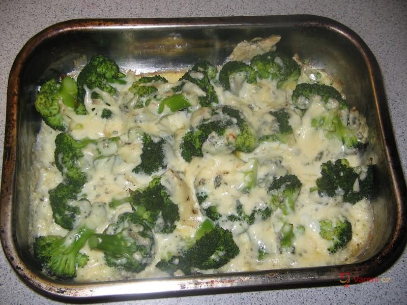Zapečená brokolice s nivou