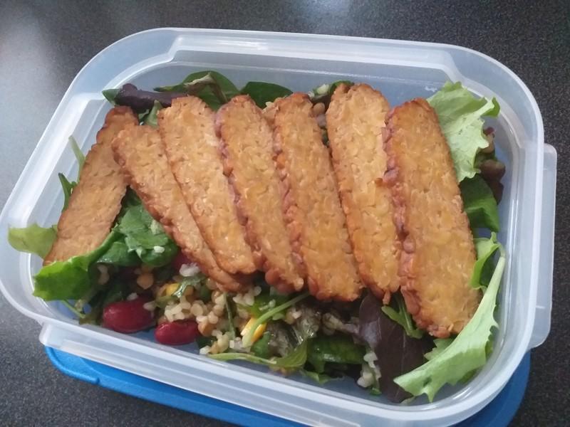 Chutný luštěninový salát