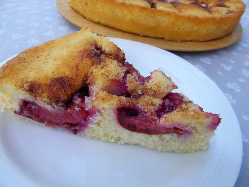 Jemný koláč se švestkami