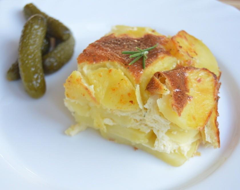 Zapékané brambory se smetanou a sýrem